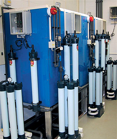 Water treatment facility with UV-lamps and fine filters